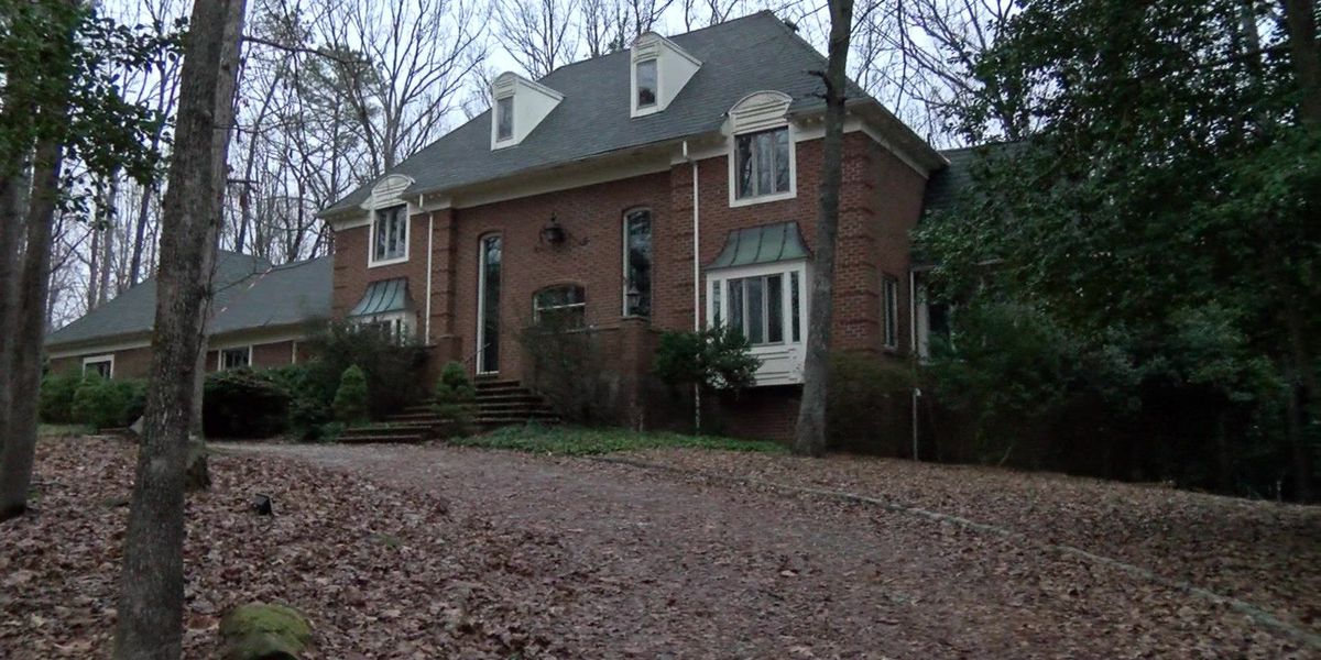Homeowner gets shingle roof after subcontractor removes slate from wrong home