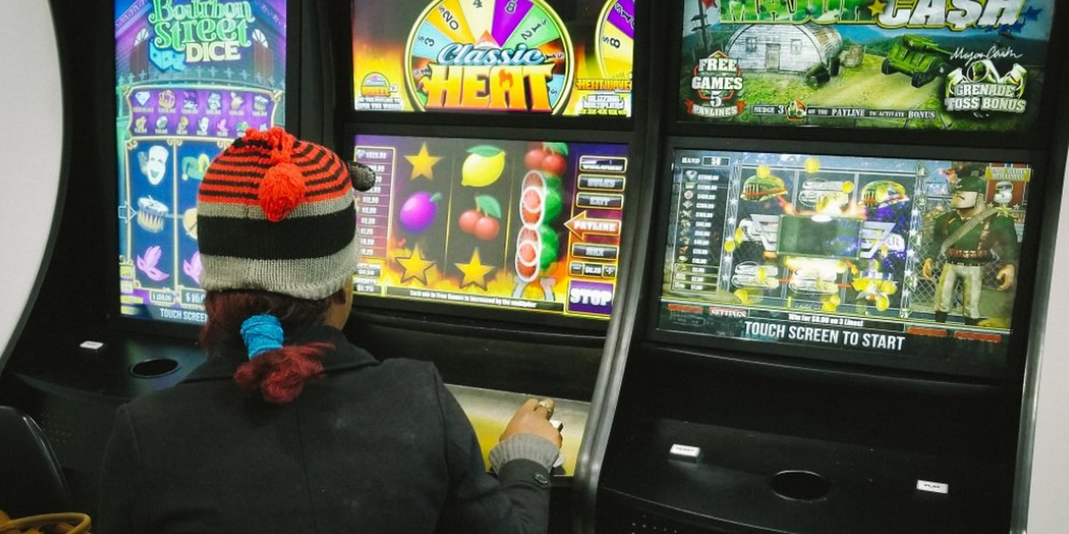Northam amends gambling bill to reiterate ban on skill machines
