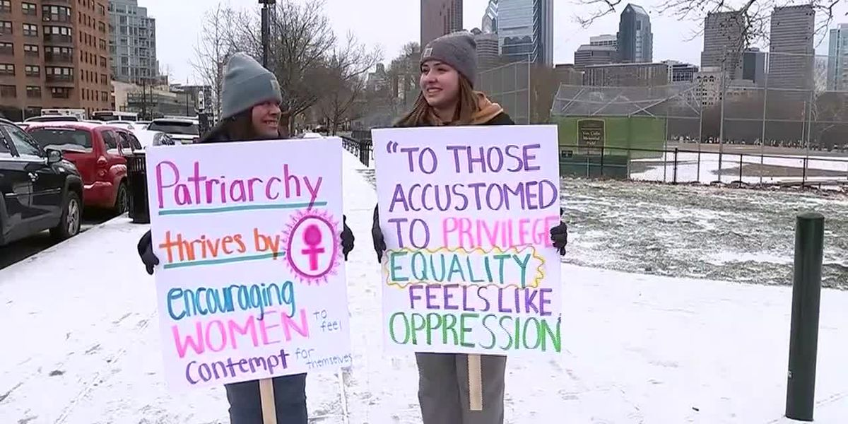 Mother, daughter march side by side at Women's March in Philadelphia
