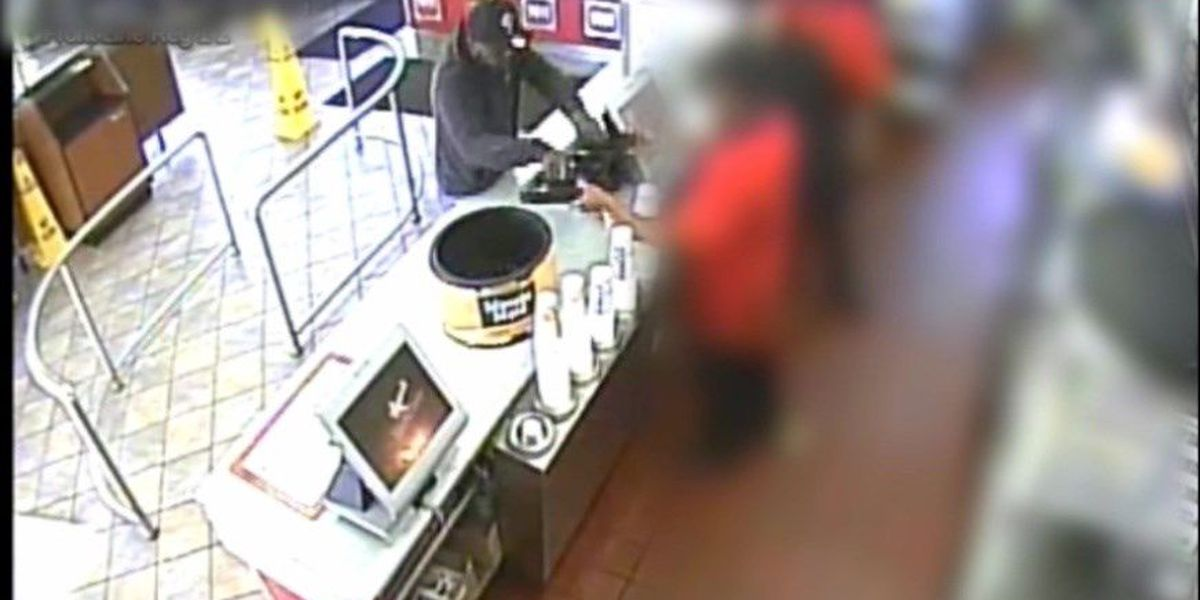 VIDEO: Robber threatens Hardee's employee, takes cash from register