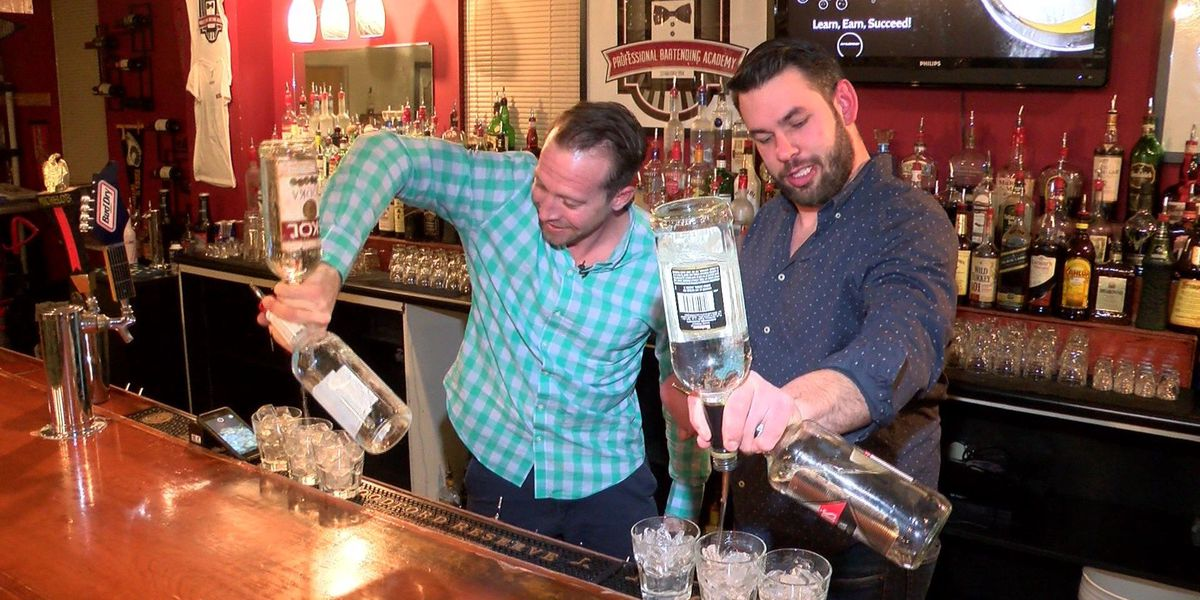 One-armed man chases dream of bartending