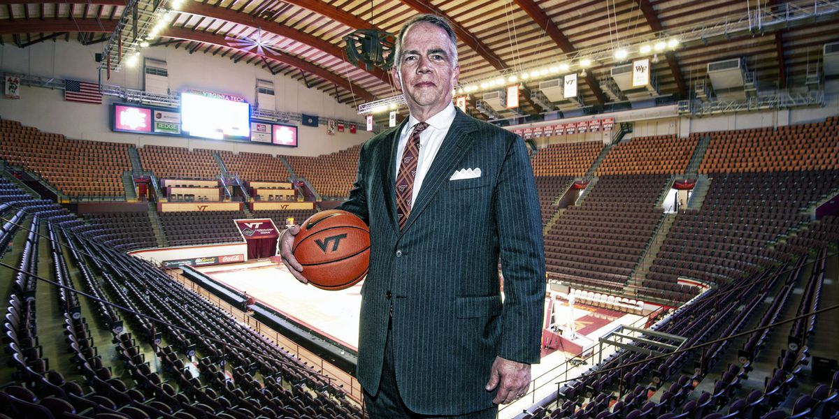 Wofford's Mike Young named VT's new basketball coach