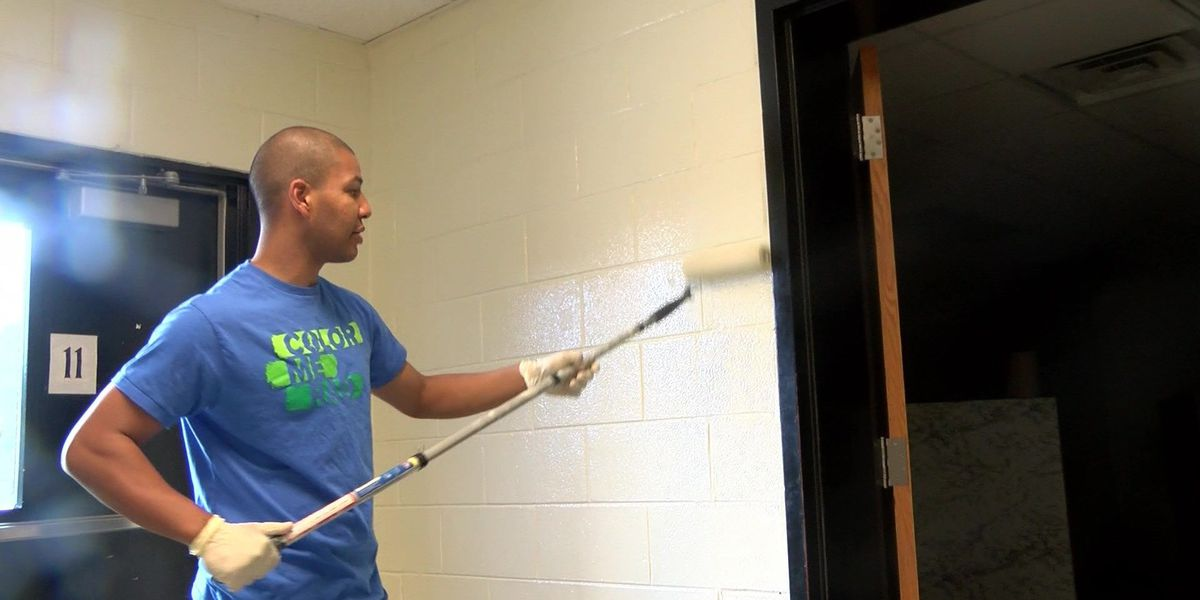 DAY AHEAD: Hundreds volunteer for Hopewell middle school makeover