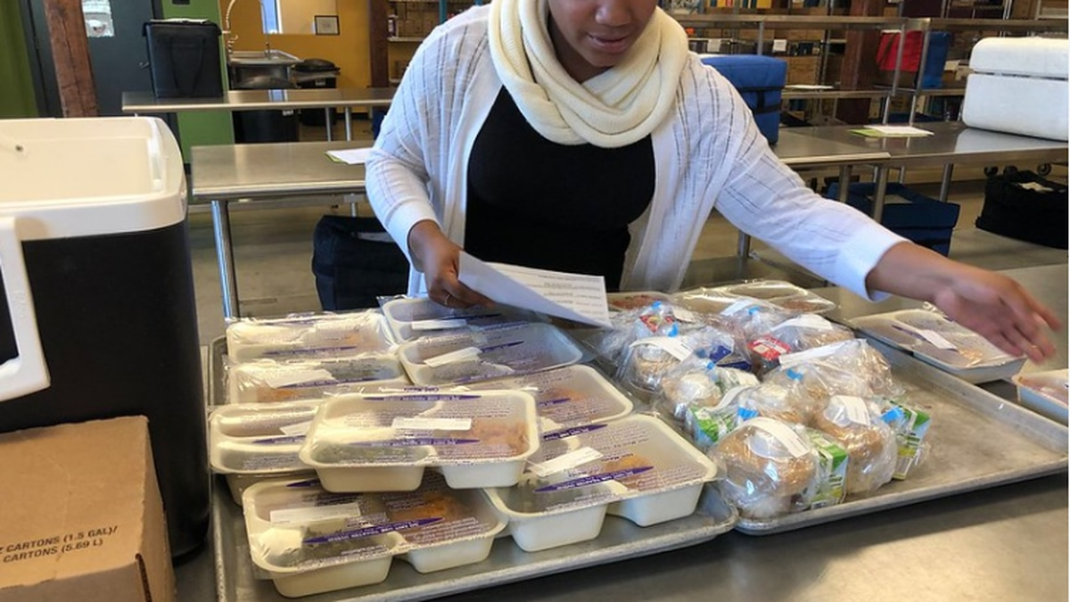 Bank of America donating 15,000 pounds of food to Feed More