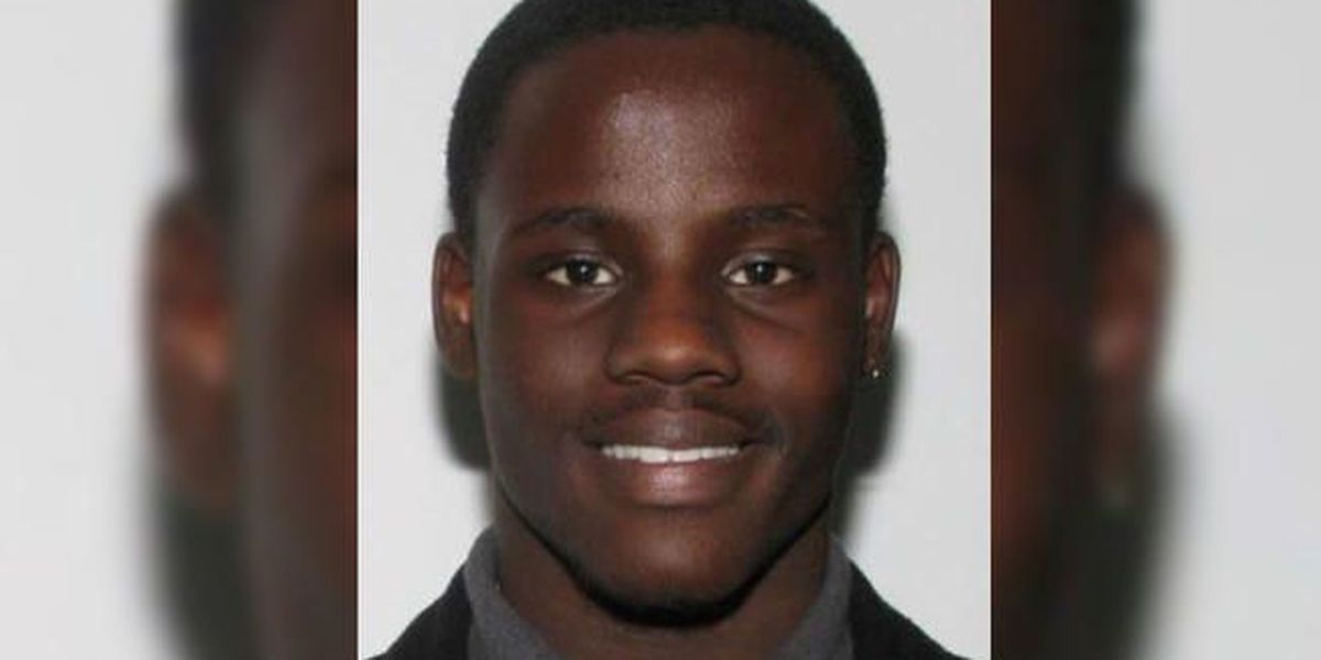Police: Teen wanted for making threats at high school