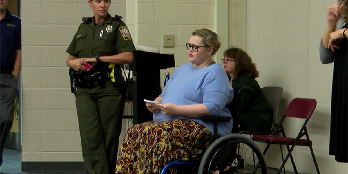 Woman gives lecture about dangers of drunk driving