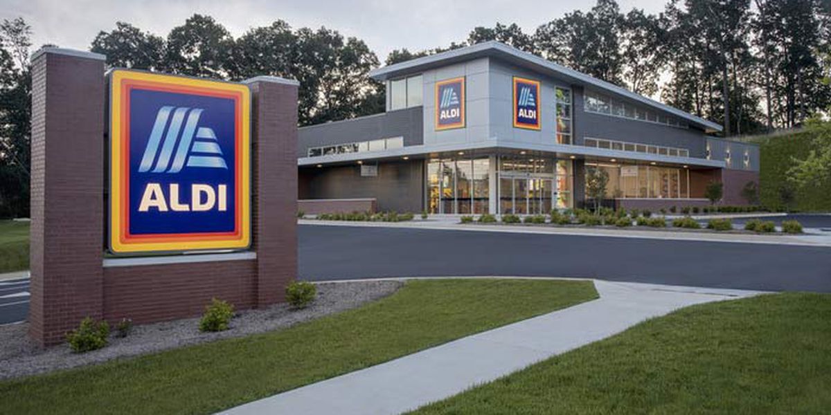 Aldi plans to pay employees to get COVID-19 vaccine