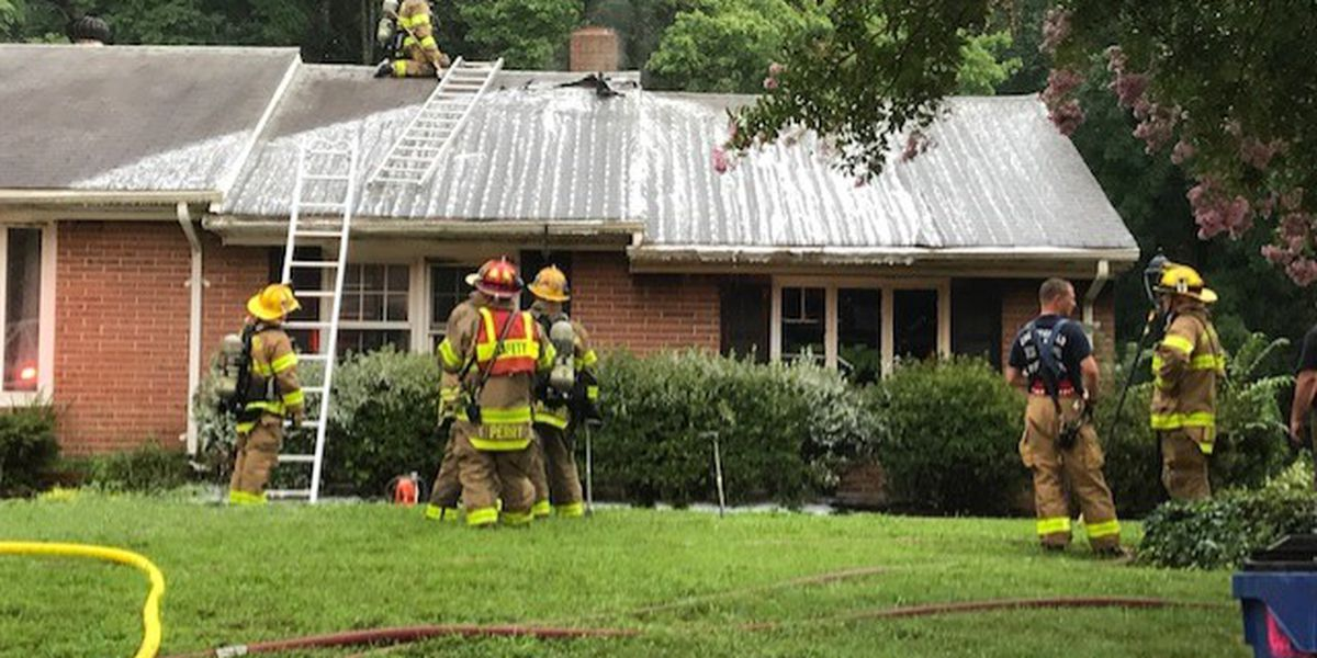 Lightning strike causes fire at Chesterfield home