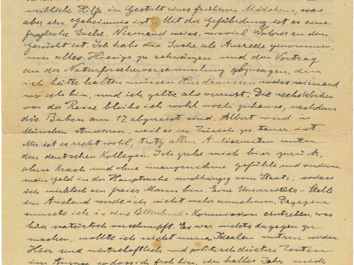 Handwritten Einstein letter auctioned off for nearly $40,000