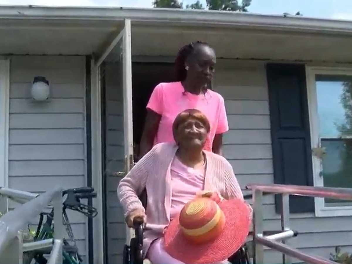 Henrico woman runs errands for seniors while caring for disabled mother