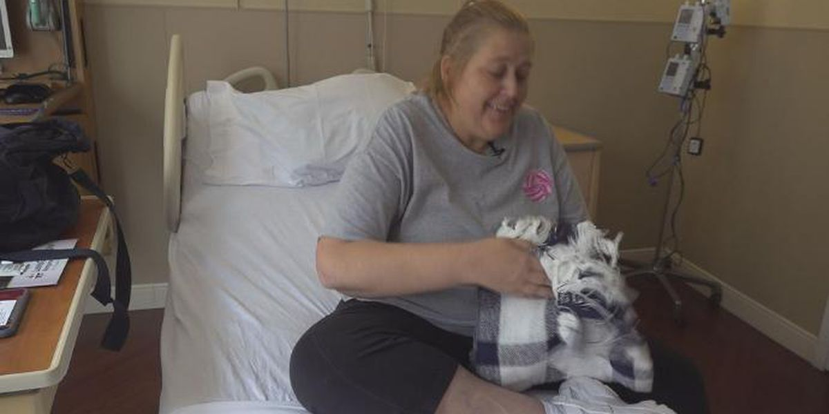 Gifts of warmth: Cancer patients receive blankets during treatment