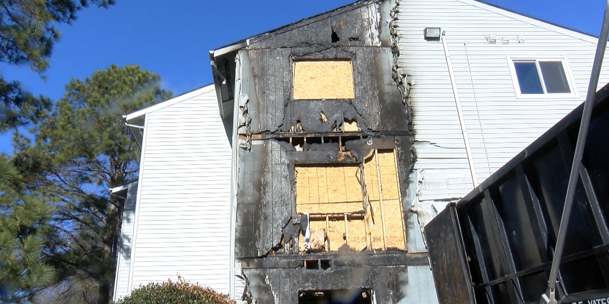 12 adults, 17 children displaced from apartment fire pleading for help