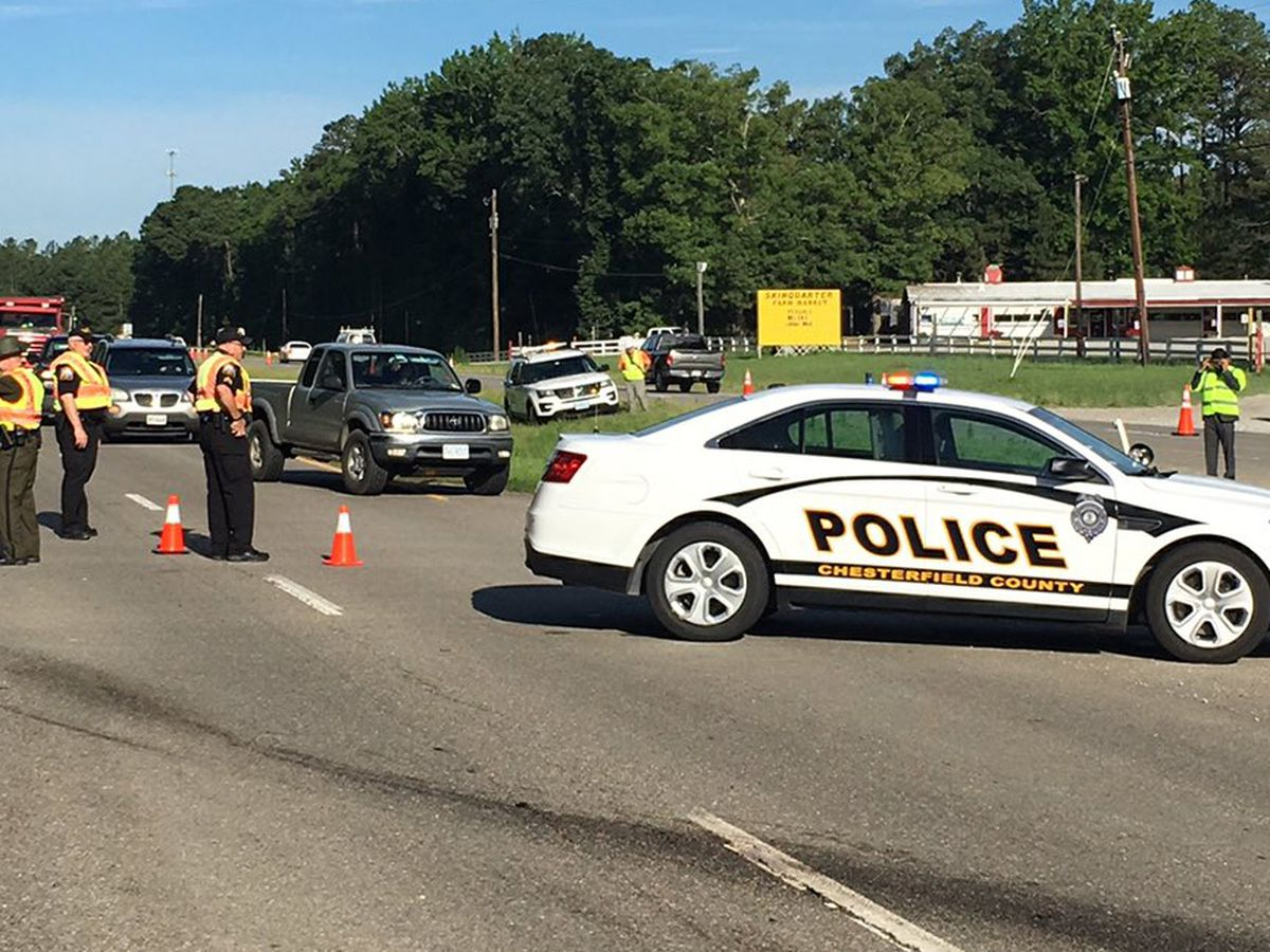 2 injured in crash that shut down Hull Street Road