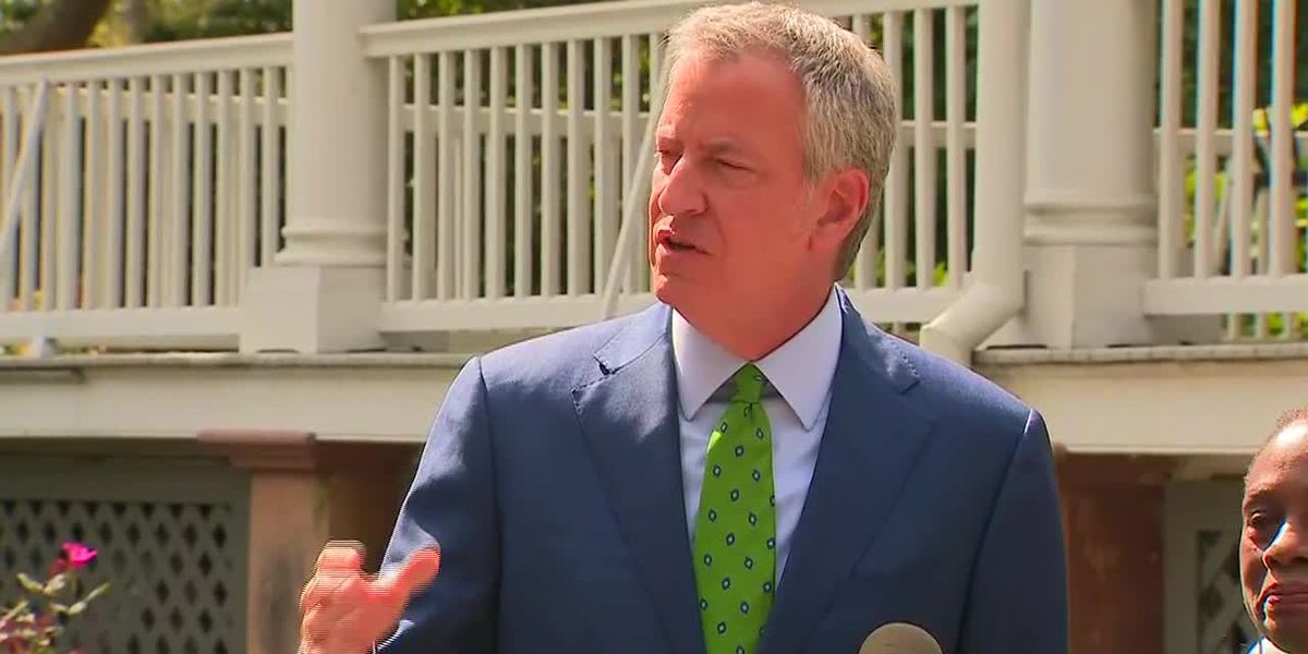 De Blasio drops out of race, says the more progressives, the better