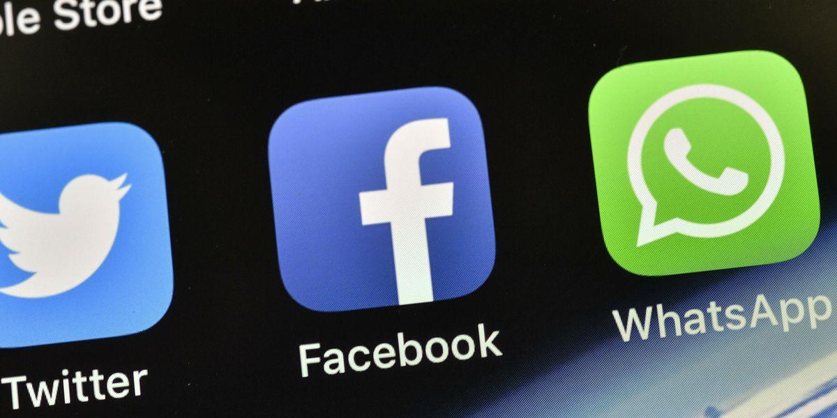 2 top Facebook executives depart company