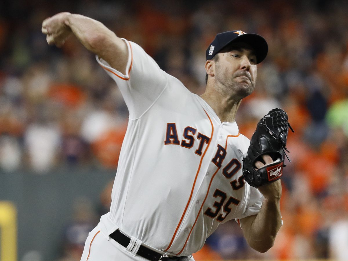 Verlander earns second career Cy Young Award