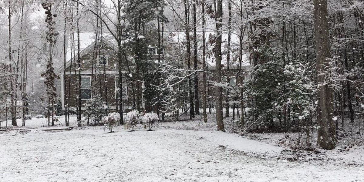Snow showers create a winter wonderland in Central Virginia
